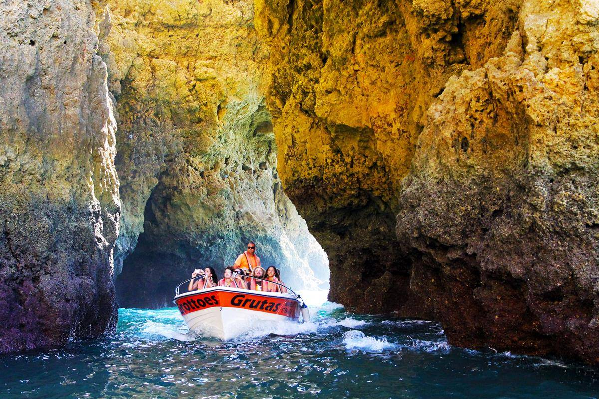 Trip To The Caves Of Ponta Da Piedade
