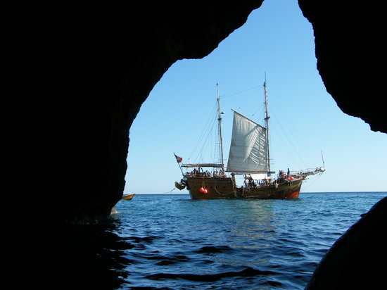 Pirate Adventure - Sea Caves Tour Algarve
