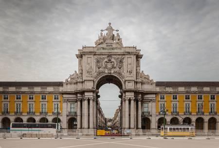 Lisbon Old Town Tour On A Renault 4L