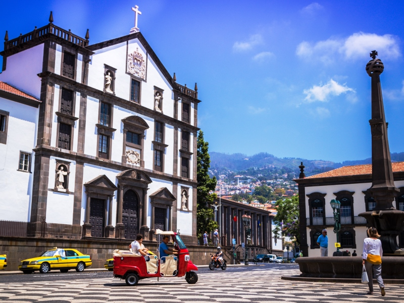 Oldtime Tuktuk Tour In Madeira