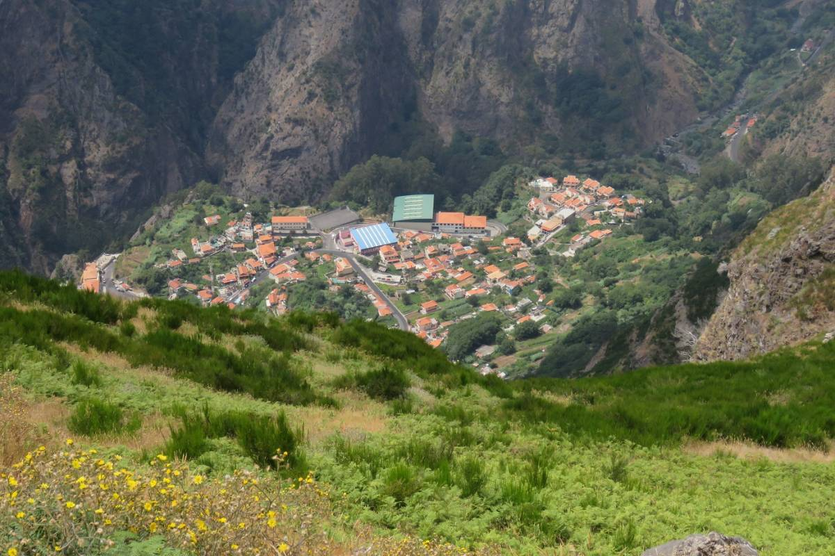 Nun's Valley And Madeira Peaks