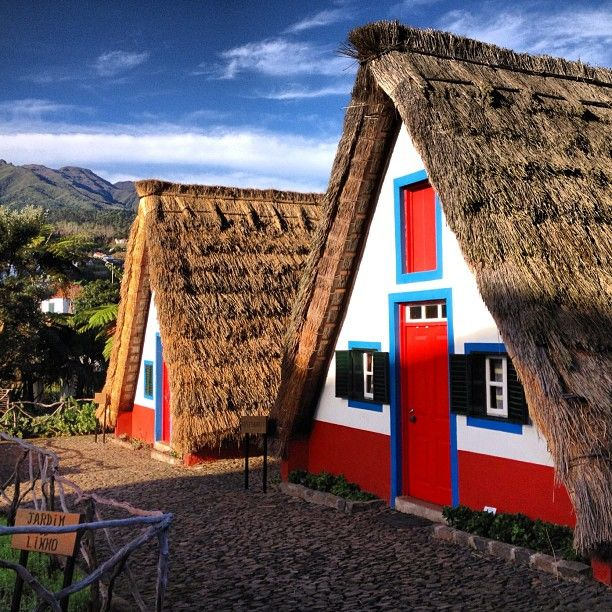 Santana traditional houses