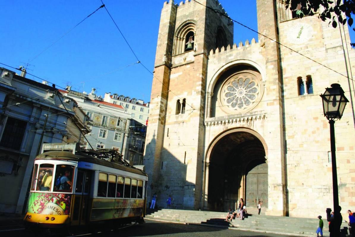 Lisbon Tuk Tuk Historical Tour