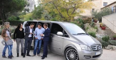 Privatwagen Mit Fahrer Für 8 Passagiere In Lissabon