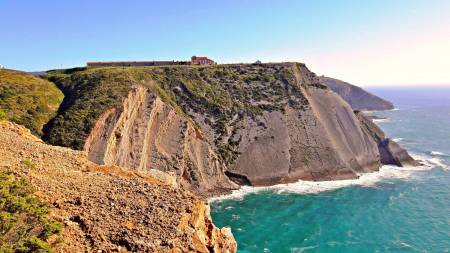 Arrábida And Sesimbra – Nature And Castles – Private 4X4 Half Day Tour