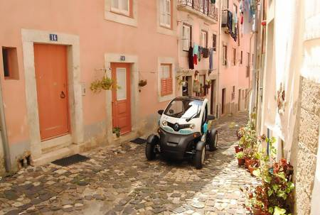 Lissabon Altstadt Von Twizy Electric Car & Gps Audio Guide