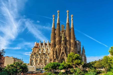 Barcelona: Guided Tour To The Sagrada Familia With Tower Access