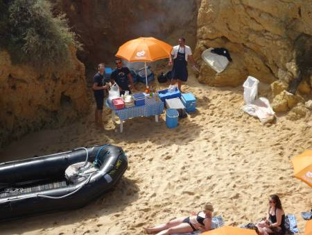 Sailing and barbecue cruise until Galé. Departure from Vilamoura
