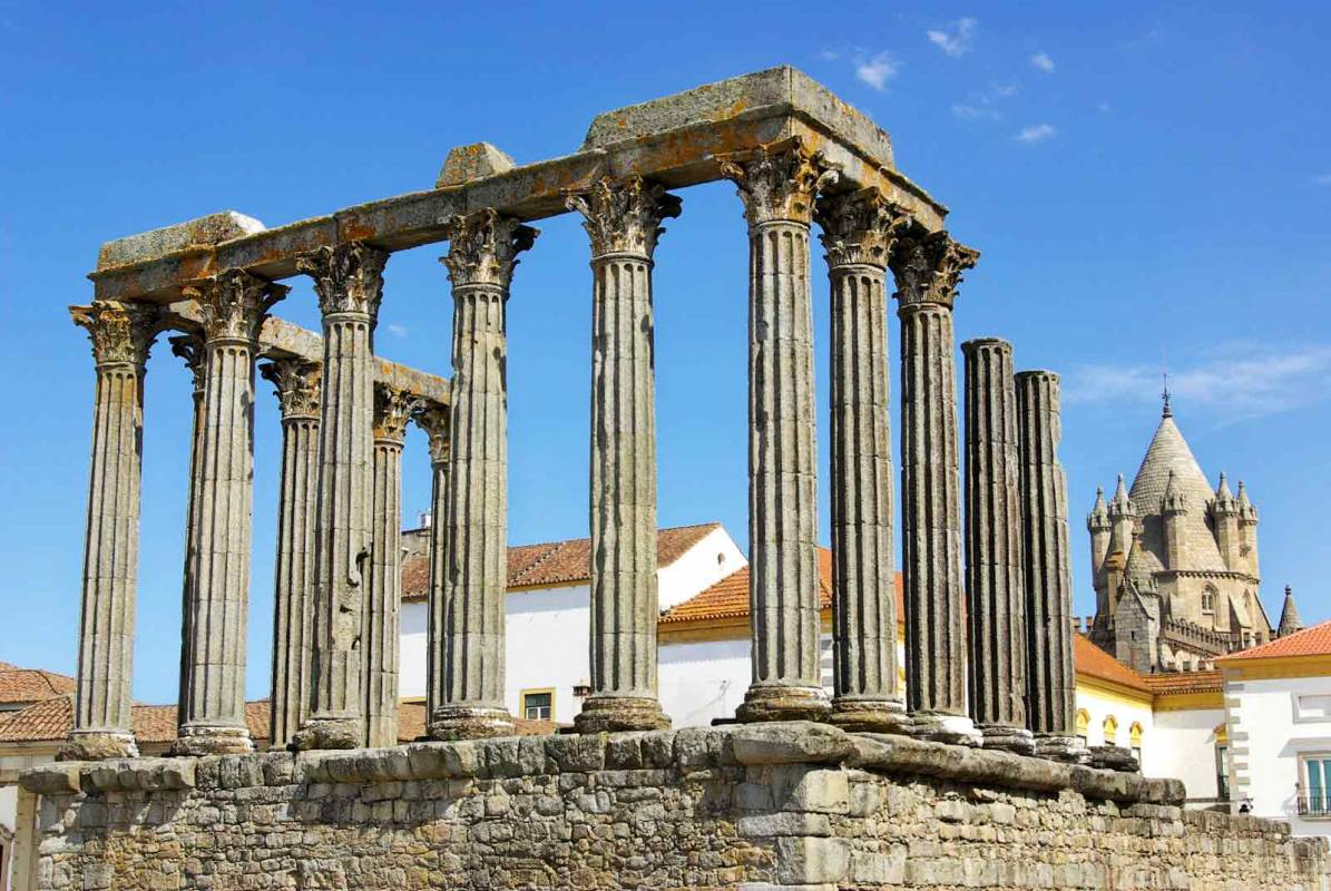Full Day Tour In Évora