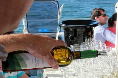 Wine Sunset Boat Party – Setúbal