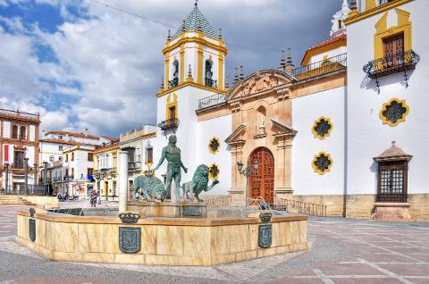 From Cádiz: Private Day Trip To Ronda & Setenil De Las Bodegas