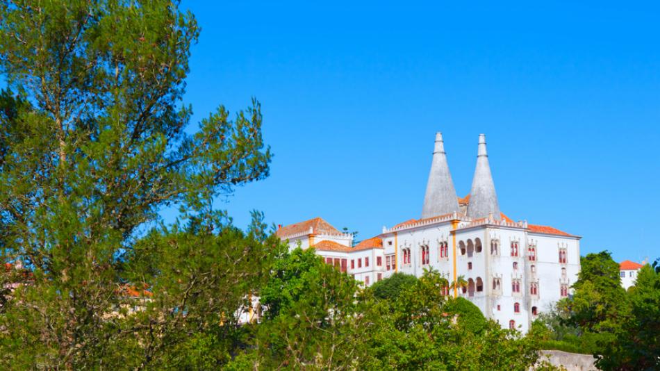Explore Sintra'S Fairy Tale Pena Palace