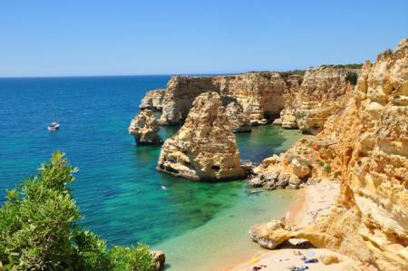 Benagil Cave And Marinha Beach 1H30 Boat Trip – Departs From Carvoeiro Beach