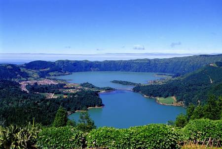 Sete Cidades – Half Day Guided Tour In The Azores