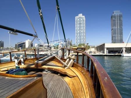 Goleta Karya – 90Min Boat Tour In Barcelona