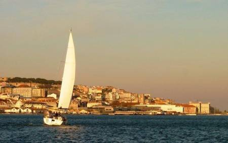 Sunset Sailboat Tour In The Tagus River In Lisbon
