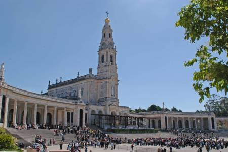 A Partir De Lisboa: Tour A Fátima, Batalha, Alcobaça E Óbidos