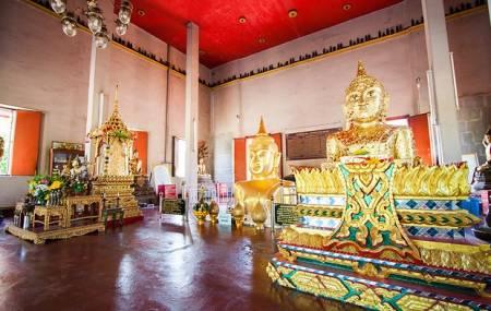 Un Jour, Temple À Phuket