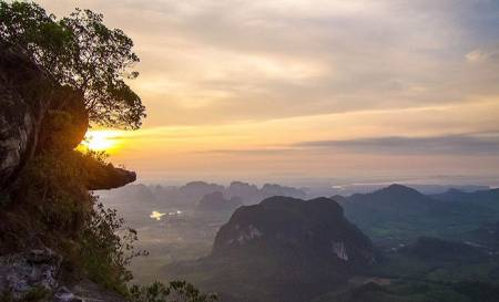 Full Day Trekking At Noppharat Thara-Koh Phi Phi