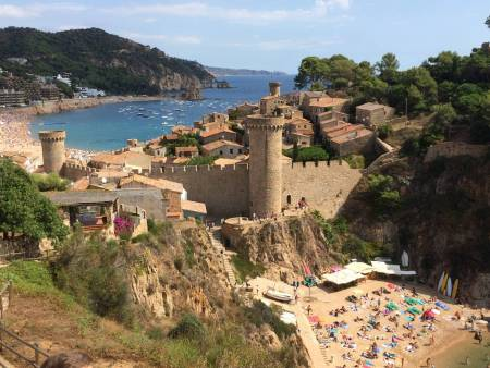From Barcelona: Full Day Hiking Tour To Costa Brava Coast And Tossa De Mar With Lunch