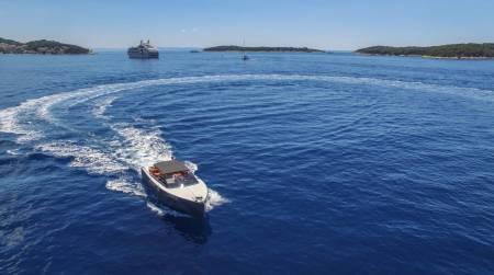Luxury Speed Boat Tour – Hvar