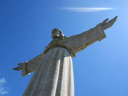 Full Day Private Tour In Arrábida: Statue Of Christ, Bridges, Vineyards & Wine Tasting From Lisbon