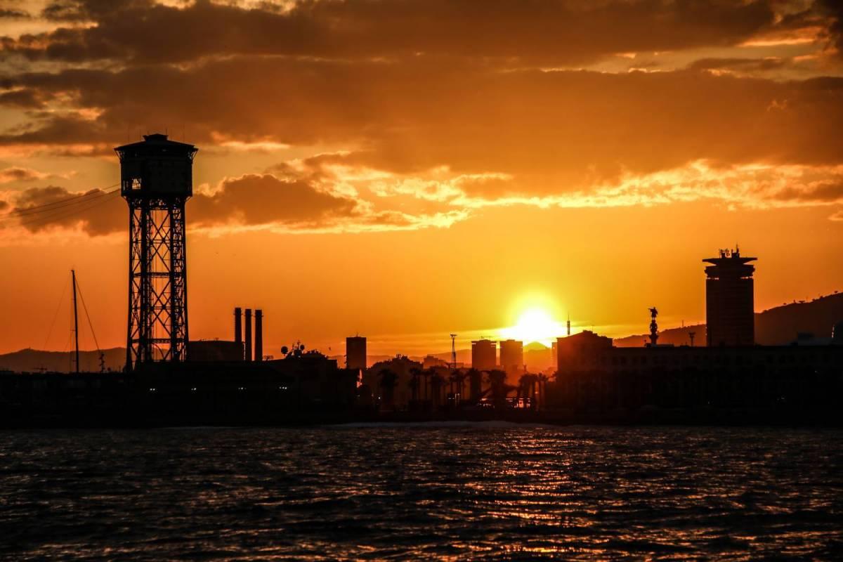 3 heures au coucher du soleil cava sortie en voilier priv barcelone - Heures coucher du soleil ...