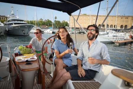 Vermut Time & Sailing Experience Barcelona (Barco Compartido)