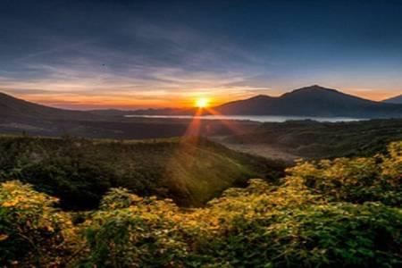 Caminhada Ao Nascer Do Sol No Monte Batur – Bali, Indonésia