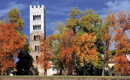 Pisa E Lucca: Suba A Torre Inclinada E Descobre A Cidade De 100 Igrejas - De Florença