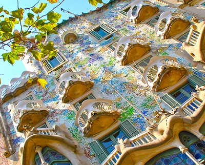 Modernist Houses & Sagrada Familia Private Walking Tour
