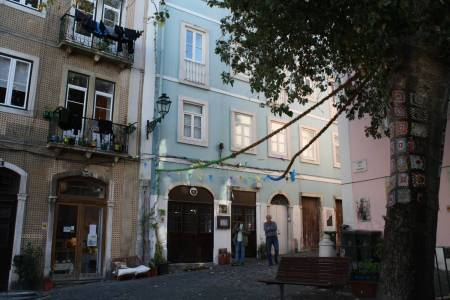 Guided Visit To The Mouraria Neighbourhood. Lisbon Walk.