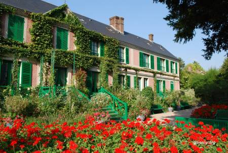 Giverny + Versailles Private Tour Sedan 1 To 3 Pax (Whole Day)