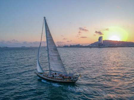 Private Sunset Sailing With Exclusive Cava Aperitif, Barcelona