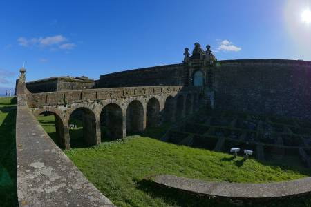 Guided Tour Of The Fortresses Of Angra Do Heroísmo, Terceira Island