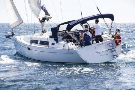 Exclusive 2 Hours Sailing Experience Barcelona