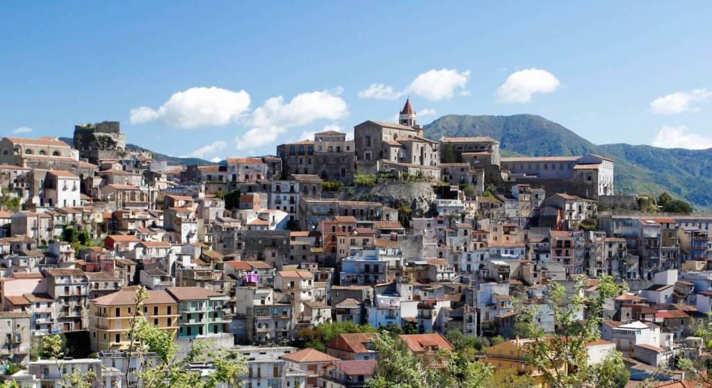 Geh zurück zu Sicilia