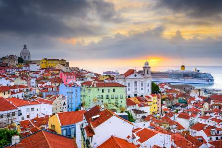 Full Day Tour Of Historical Lisbon (Baixa + Alfama) – Private Option