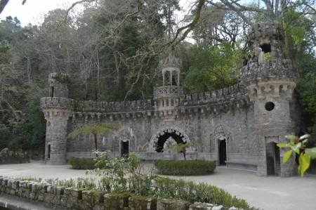 De Lisboa: Passeio De Meio Dia Em Sintra E Quinta Da Regaleira
