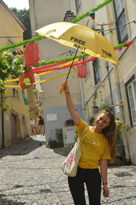 2H30 Mouraria Free Walking Tour, Lisbon