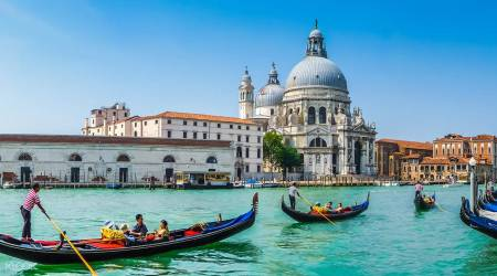 1 Hour Private Gondola Tour On The Grand Canal In Venice With Live Explanations