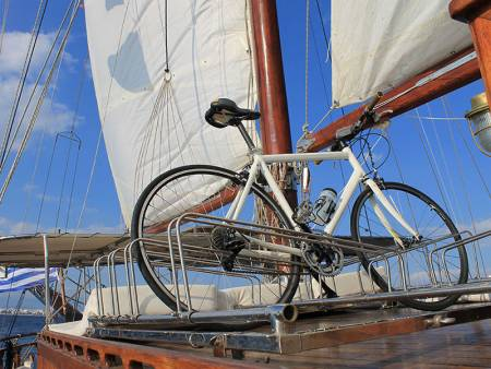 4H Combined Bike Tour & Sailing Boat Trip In Lisbon