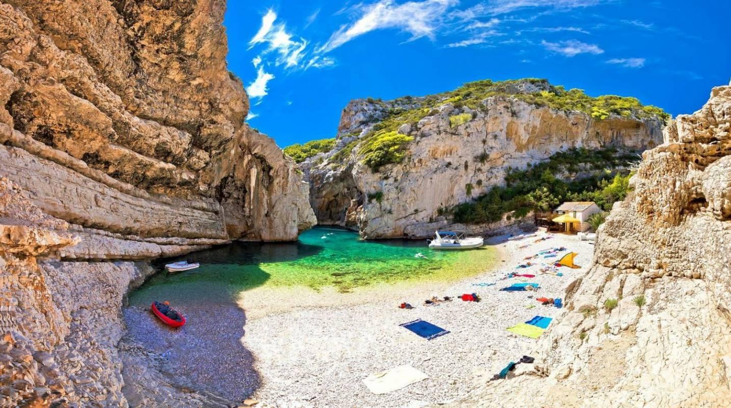 blue cave trip departing from Split Hvar croatia