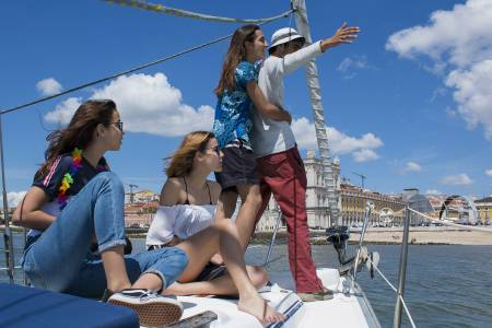 2-Hour Relaxing Sailboat Tour In Lisbon