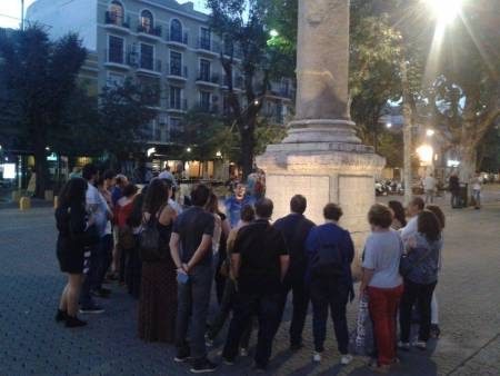 2 Hours Of Guided Walking Tour At Night In Seville
