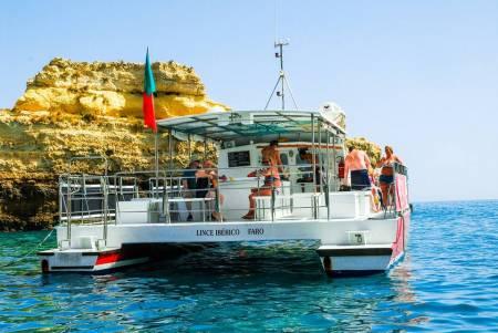 Tour En Catamaran Et Visite De La Grotte De Benagil Depuis Vilamoura