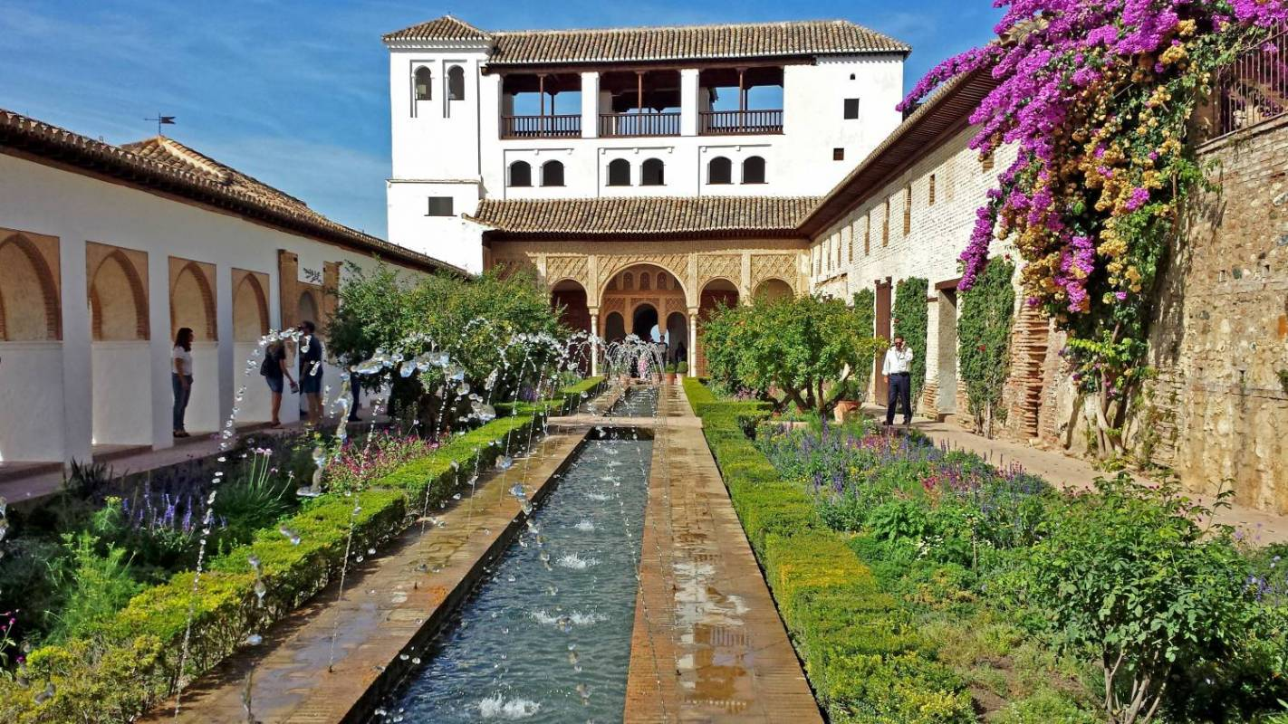 Alhambra and Generalife Ticket With Audio Guide In 12 Languages