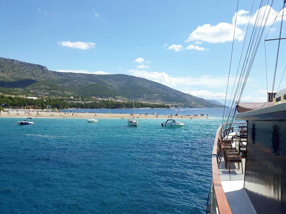 From Split: Full Day Cruise To Brač & Šolta Islands With Lunch