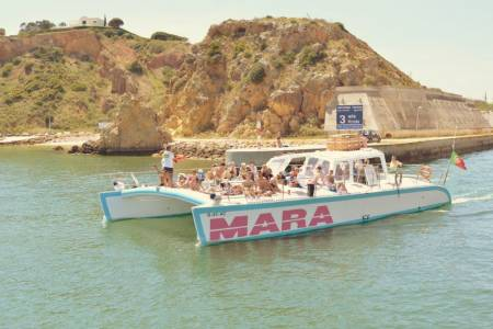 Sunset Tour To The Benagil Cave On A Catamaran From Albufeira