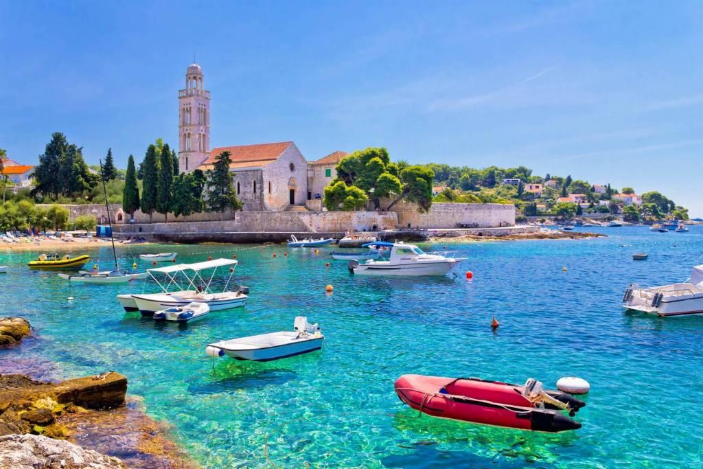 Geh zurück zu Dalmatien